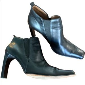Joan & David black lambskin leather Chelsea boots